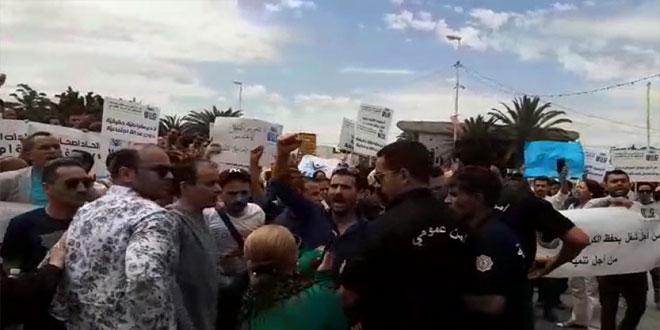 صدامات بين أصحاب الشهادات العليا و قوات الأمن في ساحة باردو