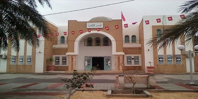 """رئيس بلدية سوق الاحد: """"سرقة دار الخدمات وضع مستراب و تصرفات شاذة تستوجب المحاسبة وفق القانون """""""