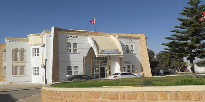 رئيس بلدية دوز :اجراءات الحجر الصحي الموجه تستوجب التطبيق و التفاعل، و منع الاسواق بكامل المنطقة البلدية .