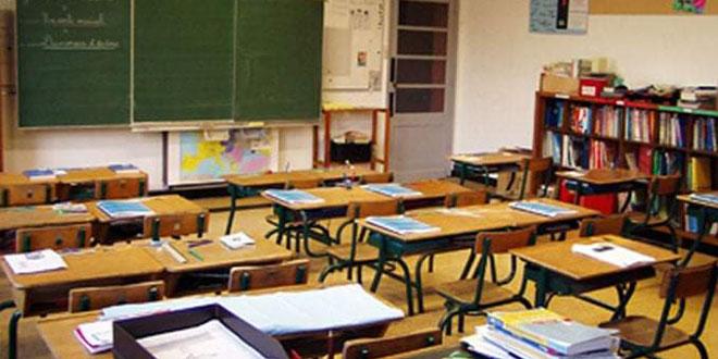 وزير التربية : رغم تحسن الوضع الوبائي سيتواصل التدريس بنظام الأفواج.