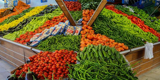 نقابة الفلاحين تدعو الحكومة لتركيز أسواق من المنتج إلى المستهلك